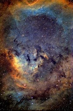 NGC 7822 in the Hubble palette, captured by Robert Lockwood from Descanso. Cosmos, Hubble Space Telescope, Space And Astronomy, Telescope Images, Digital Foto, Hubble Images, Hubble Pictures, Galaxy Images, Astronomy Pictures