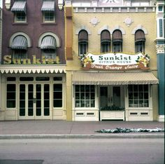 Wonderful colors in this photo of the old store fronts for Sunkist. <3 j