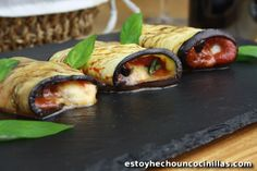 Una receta ideal para tu dieta: Rollitos de berenjena a la plancha | i24Web Aubergine Mozzarella, Olives, Tapas, Food To Make, Sushi, Bbq, Chicken, Dinner, Cooking