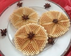 These delicious old-fashioned Gluten Free Italian Pizzelle cookies are sold in a package of 6 . No MSGs, Celiac Recipes, Healthy Gluten Free Recipes, Gluten Free Snacks, Foods With Gluten, Gluten Free Cookies, Pizzelle Cookies, Pizzelle Recipe, Wafer Cookies, Wheat Free Recipes