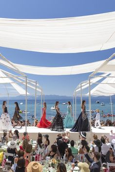 Oscar de la Renta Resort 2015 [Photo by Drew Altizer]