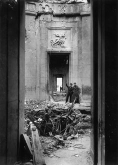 July 1945 Neue Reichskanzlei: The ruined interior of the Chancellery in Berlin after World War II, showing the path of an American bomb which landed in the vicinity of Hitler's office. (Photo by Fred Ramage/Keystone/Getty Images) Ww2 History, History Photos, World History, World War Ii, Berlin Photos, Total War, Berlin Germany, Wwii, Battle