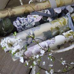Delft Flower Pewter Wallpaper | Designers Guild