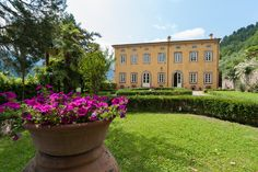 Villas in Lucca for rent for your Italian Holidays, Private Events and Weddings