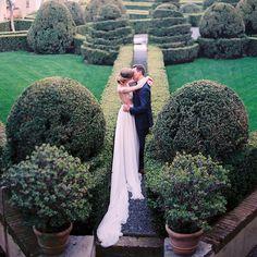 Italian Love in Portofino at @lacervara with @sposiamovi @galialahav @whitepepperstudio @thelaceatelier @bellabelleshoes @laranavarrini @carmencitalab