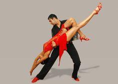 Dansez Salsa foarte bine !