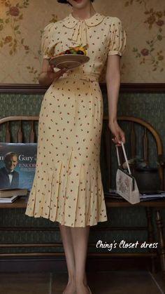 Vintage 1950s Dresses, Retro Dress, Vintage Skirt, 60s Dresses, Vintage Summer Dresses, Vintage Dress Patterns, 40s Fashion, Vintage Chic Fashion, Fasion