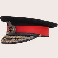 This is the type of cap I want my character to wear when leading his soldiers into battle. Military Hats, Military Uniforms, British Uniforms, Fabric Sewing, Berets, Army Soldier, Cap Dress, British Army, Military History