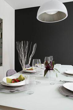 Dom na Żoliborzu. Jadalnia | tryc.pl  #table #livingroom #diningroom #lamp #salon #interiors #design #projektowanie #dinner #jadalnia #whitetable #interiordesigner