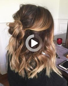 28 cute hairstyles for medium length hair (popular for 2019) - #popular #style ... #shortsummerhairstyles Easy Casual Hairstyles, Wedding Hairstyles For Medium Hair, Twist Hairstyles, Summer Hairstyles, Very Short Hair, Short Hair Updo, Wavy Hair, Medium Hair Styles, Short Hair Styles