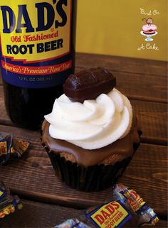 Root Beer Float Cupcakes for Father's Day