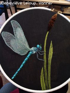 Gold Embroidery, Embroidery Patterns, Dragonfly Wall Art, Cross Stitch Art, Thread Painting, Gold Work, All Craft, Chalkboard Art, String Art