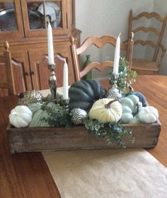 Fall decor – Fall decor – More from my site Farmhouse Fall Decor DIY Dollar Store Farmhouse Decor Ideas & Hacks Fall Home … The Beauty of Fall Fall Home Decor Tour – Navy and Rust – 20 Festive DIY Fall Decor Ideas Pumkin Decoration, Decoration Table, Fall Home Decor, Autumn Home, Holiday Decor, Diy Farmhouse Table, Vintage Farmhouse, Fall Planters, Deco Floral