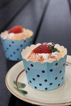GoodyFoodies: I baked: Hokkaido chiffon cupcake Easy Cakes To Make, How To Make Cake, Hokkaido Cake, Asian Food Channel, Chiffon Cake, Cake Flour, Sweet Desserts, Cupcake Recipes, Let Them Eat Cake