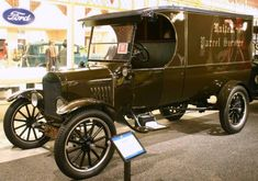 1923 Ford Model TT UPS Delivery Truck