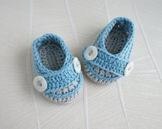 CROCHET PATTERN, instant download, crochet booties,crochet boots, pdf very easy to follow, full of pictures,crochet pattern no.56