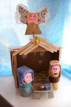 Fun little craft for the boys.   Pink and Green Mama: Homemade Christmas: Homemade Nativity