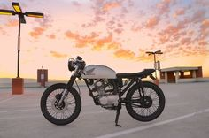 Cafe Racer, custom and classic motorcycles from around the globe. Featuring the world's top builders of custom motorcycles and Cafe Racers since Honda Motorcycles, Custom Motorcycles, Custom Bikes, Moto Bike, Motorcycle Gear, Cafe Racers, Cafe Racer Mexico, Estilo Cafe Racer, Honda Cb125
