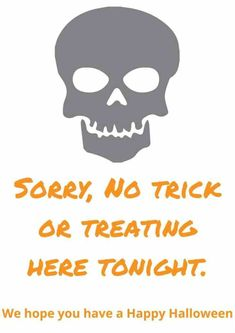 Free printable 'No Trick or Treating' Poser to print out and pop on your door this Halloween! Halloween Snacks, Halloween Signs, Vintage Halloween, Halloween Crafts, Happy Halloween, Easy Homemade Gifts, Potty Training Tips, Frugal Family, Crazy Life