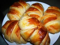 Katmer Poğaca Hot Dog Buns, Bagel, Baked Potato, Food And Drink, Bread, Cheese, Meals, Ethnic Recipes, Anne