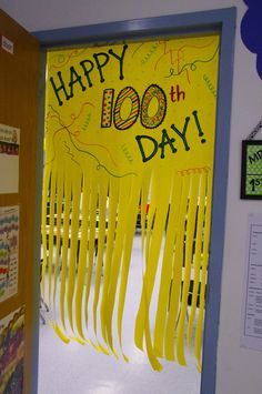 Well the day of school has come and gone, and I am finally able to write my post. This year& day of school was a major success. 100th Day Of School Crafts, 100 Days Of School, School Holidays, School Projects, School Ideas, 100s Day, Ec 3, 100 Day Celebration, Hundred Days