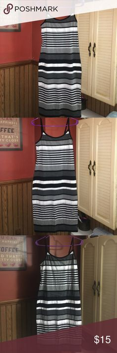 Nwot long striped adj 🍝 strap👗lg, blk,gry,white NWOT never worn, nor washed long spaghetti strap & there adjustable straps! The striped colors on this are black, white, grey, and a charcoal grey, colors that go with Everything! Size Lg brand no boundaries No Boundaries Dresses Maxi