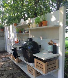 Newest Outdoor Kitchen Decoration Ideas To Make Cozy Kitchen - Adorable Newest Outdoor Kitchen Decoration Ideas To Make Cozy Kitchen. Outdoor Grill Station, Outdoor Cooking Area, Outdoor Kitchen Countertops, Concrete Countertops, Cozy Kitchen, Kitchen Decor, Bbq Area, Grill Area, Bar Lounge
