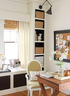 Cute home office.