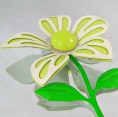 Vintage Brooch 70s Retro Mod Flower Power Lime Green by waalaa, 19.99
