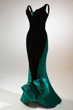 Charles James, evening dress, black velvet, green satin, circa 1955, USA, gift of Robert Wells In Memory of Lisa Kirk.  Photograph by Eileen Costa