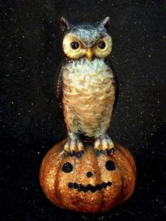 Owl on Pumpkin - The Holiday Barn