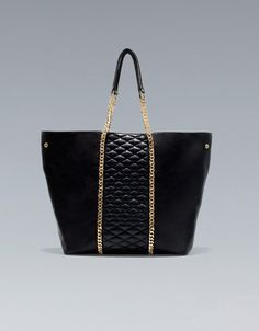 QUILTED SHOPPER WITH CHAIN