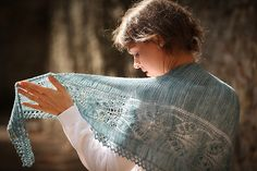 Ravelry: Aglow pattern by Kristina Vilimaite; so pretty! #gal2015 #giftalong2015