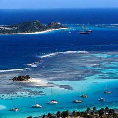Vincent and the Grenadines - Which Caribbean Island Is Right For You? Beach Honeymoon Destinations, Travel Destinations, Travel Tips, Island Travel, Iles Grenadines, Places To Travel, Places To Go, Cruise Italy, South America Destinations