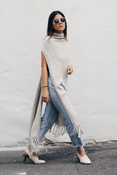 fall outfit, casual outfit, edgy outfit, minimal outfit, street style, fall trends 2016 - grey fringe long vest, raw hem crop jeans, white low heels, round sunglasses