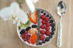 Alpro Smoothie Bowl Recipe | POST by Elite Member Elle Bloggs FEAT. @alpro | http://www.pickablogger.com/blog-posts/alpro-smoothie-bowl-recipe  | #fdbloggers #foodie #recipe #smoothie