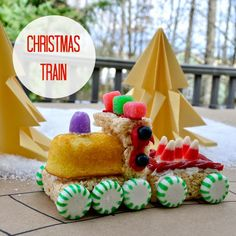 A no-bake alternative to gingerbread houses using Twinkies, Christmas Trains! #HostessHolidaySweeps