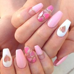 Semi-permanent varnish, false nails, patches: which manicure to choose? - My Nails Heart Nail Designs, Valentine's Day Nail Designs, Acrylic Nail Designs, Acrylic Nails, Holiday Nails, Christmas Nails, Trendy Nails, Cute Nails, Pink Nails