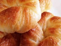 バター節約☆なんちゃってデニッシュパンの画像 Bread Recipes, Snack Recipes, Cooking Recipes, Korean Kitchen, Homemade Dinner Rolls, Sweet Buns, Bread Toast, Food To Make, Cravings