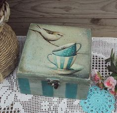 ideas decoupage boxes in various styles - Part 6 Decoupage Wood, Decoupage Vintage, Painted Boxes, Hand Painted, Cigar Box Art, Diy And Crafts, Arts And Crafts, Tea Box, American Decor