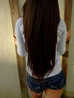 I want my hair this long!! (Naturally! No extensions)