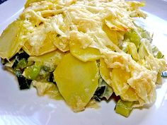 Another German dish with potatoes: Potato Leek Gratin or casserole. Potatoes and leek is a great combination, easy to make and delicious. Best German Food, The Good German, Austrian Recipes, German Recipes, Austrian Food, Potato Leek Gratin, Pasta Recipes, Cooking Recipes, Shrimp Recipes