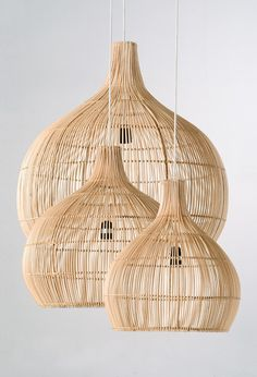 With an outer frame made of black synthetic rattan, this decorative rattan pendant lamp would make a bold statement above your dining or living area. Rattan Lampe, Wicker Pendant Light, Natural Lamps, Basket Lighting, Drop Lights, Wicker Furniture, Wicker Couch, Wicker Trunk, Wicker Mirror