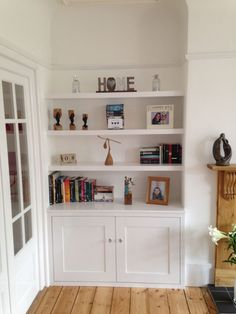Modish living room mirrors with shelves exclusive on times home decor Alcove Ideas Living Room, Living Room Storage, New Living Room, Living Room Designs, Living Room Decor, Built In Wardrobe Ideas Alcove, Alcove Decor, Built In Shelves Living Room, Small Living