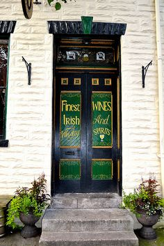 IRISH PUB  They drink wine in Ireland  @canapes45