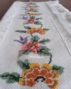 Hardanger Embroidery, Cross Stitch Embroidery, Hand Embroidery, Cross Stitch Borders, Cross Stitch Patterns, Hobbies And Crafts, Diy And Crafts, Bargello, Roman Catholic