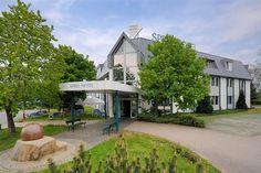 Vier-Sterne-Hotel wandelt sich in Asylbewerberheim - Rettung für notleidendes Hotel - Sehen Sie dazu eine aktuelle Sendung bei HOTELIER TV: http://www.hoteliertv.net/weitere-tv-reports/vier-sterne-hotel-wandelt-sich-in-asylbewerberheim-rettung-für-notleidendes-hotel/