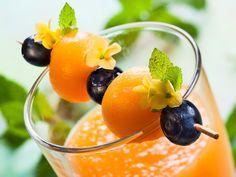 Pomarančovo-mangový smoothie s medom Juice Smoothie, Fruit Juice, Smoothies, Detox, Aloe Vera, Health Fitness, Fresh, Juices, Food