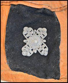 Sameslöjd - Skinnväska med tennbroderi på Tradera. Övrigt | Hemslöjd |