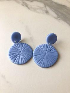 Diy Earrings Easy, Diy Clay Earrings, How To Make Earrings, Etsy Earrings, Drop Earrings, Easy Polymer Clay, Polymer Clay Beads, Polymer Clay Embroidery, Jewelry Making Beads